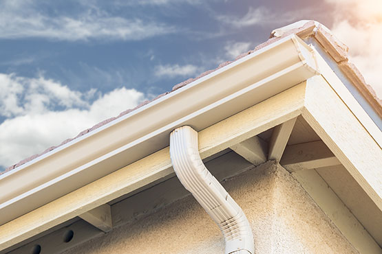 seamless gutter cleaning service